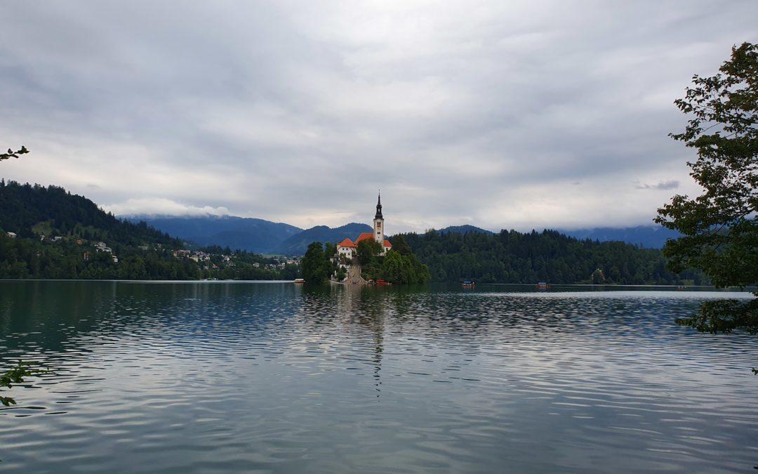 Predjama, Postumia, Lubiana, Lago di Bled